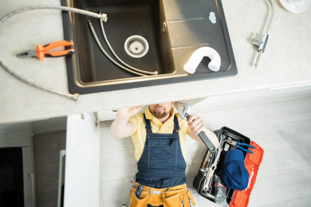 Signs it's Time to Replace Your Old Plumbing Pipes